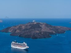 Top reasons to embark on a Caribbean cruise for an Ultimate Luxury vacation